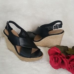 American Eagle Black and Tan Wedges Size 7 1/2